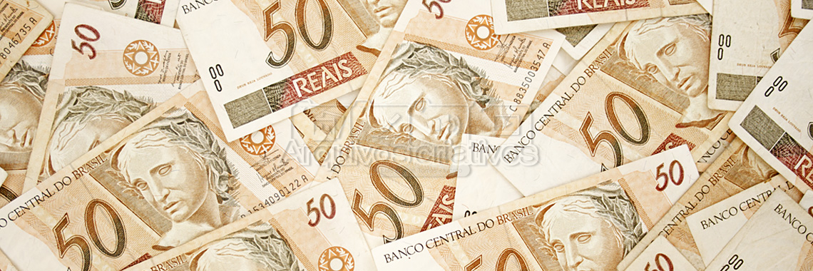 <!--:pt-->Fundo monetário<!--:--><!--:en-->Brazilian money background<!--:-->
